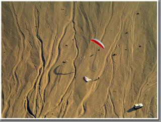 Paragliding Tiliviche Canyon, Pisagua, Chile