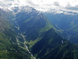 Pinzgau Walk -  Paragliding along the main spine of the Alps in Grossglockner area, Pinzgau valley, Austria